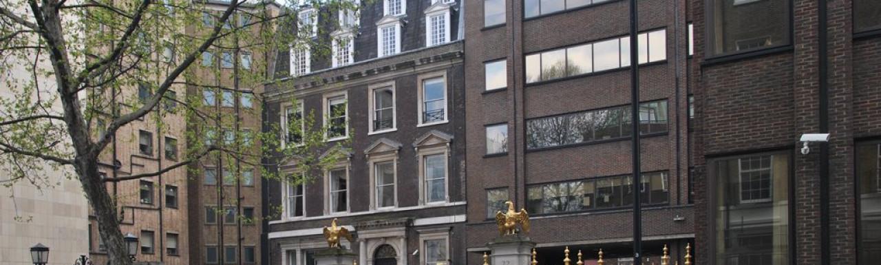 22 Arlington Street gated entrance
