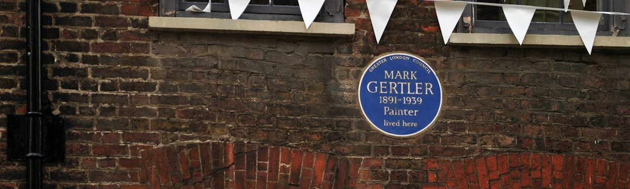 Blue plaque for painter Mark Gertler who lived here at 32 Elder Street.