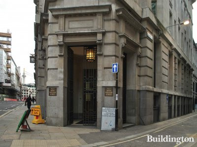 Entrance to 1 King William Street office building on the corner of St Swithin's Lane.
