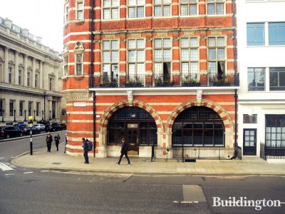 1-2 St James's Street and 64-65 Pall Mall building.