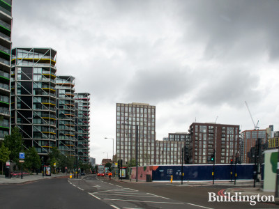 Nine Elms Parkside development next to Embassy Gardens and Riverlight (left).