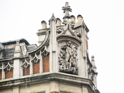 Top of the 16 Conduit Street building on the corner of Mill Street and Conduit Street.
