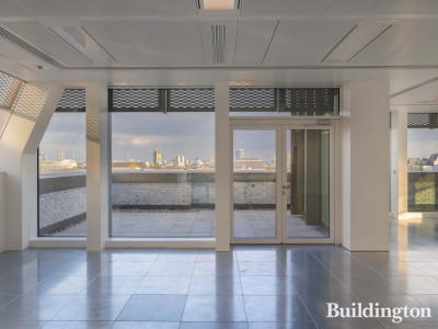 The sixth floor uses solar glare control, a requirement of both the BREEAM and WELL certifications