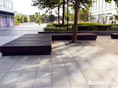 White City Place courtyard. Adjustable pedestals by Buzon.