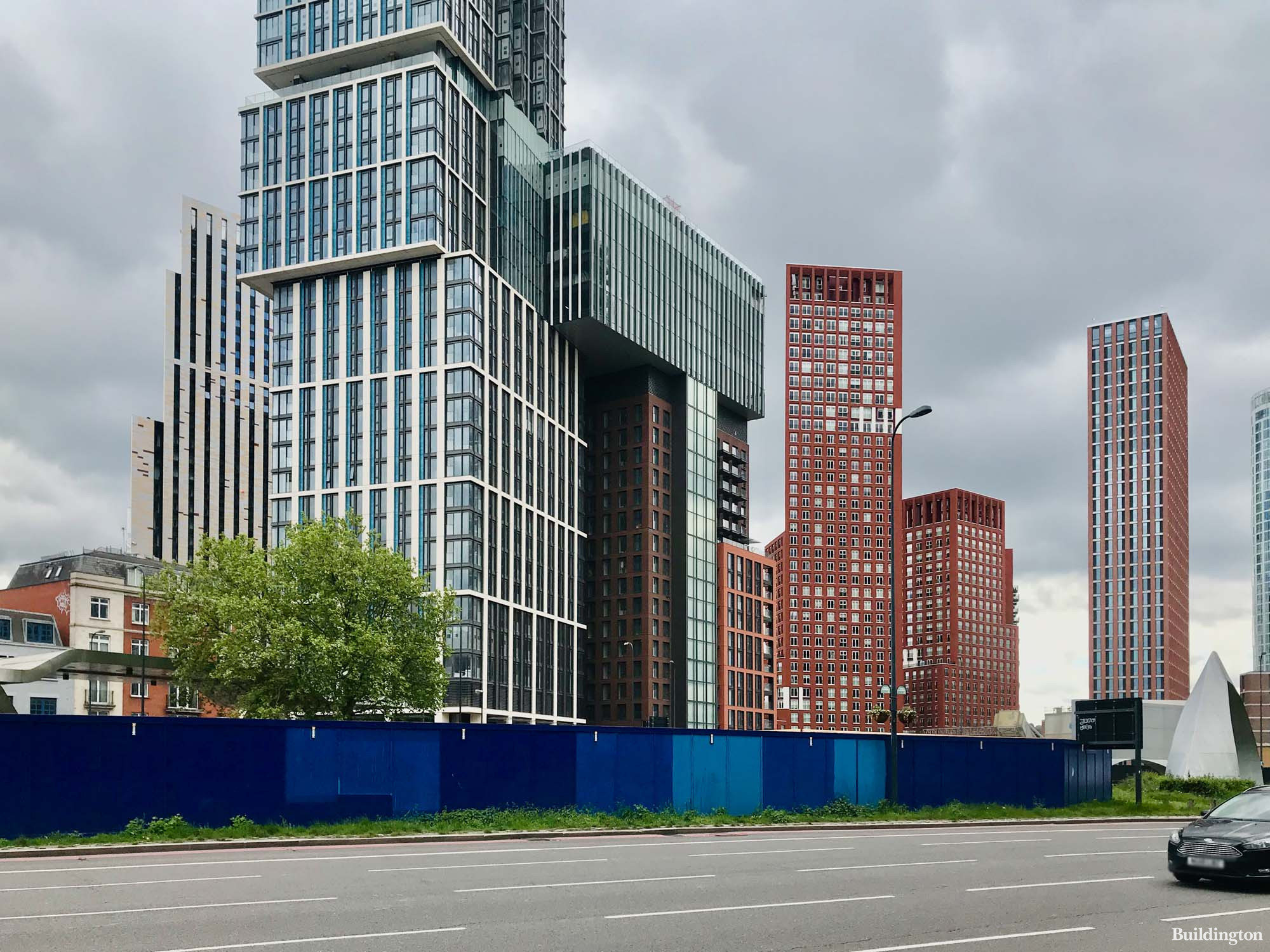 Vauxhall Cross Island development site across the road from Damac Tower.