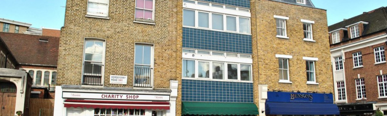 106 Horseferry Road with Bensons estate agent shop on the ground floor.