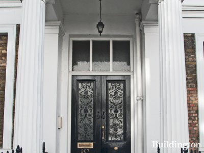Entrance to 207 Gloucester Terrace.