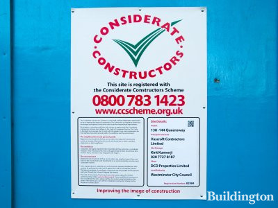 Considerate Constructors scheme banner at 138-144 Queensway on Inverness Terrace.