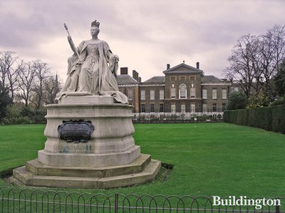 Statue of Queen Victoria, who was born in Kensington Palace 24 May 1819.