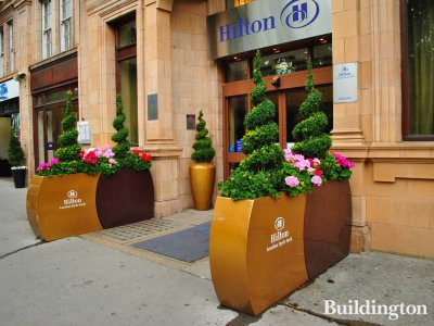 Entrance to Hilton on Bayswater Road.