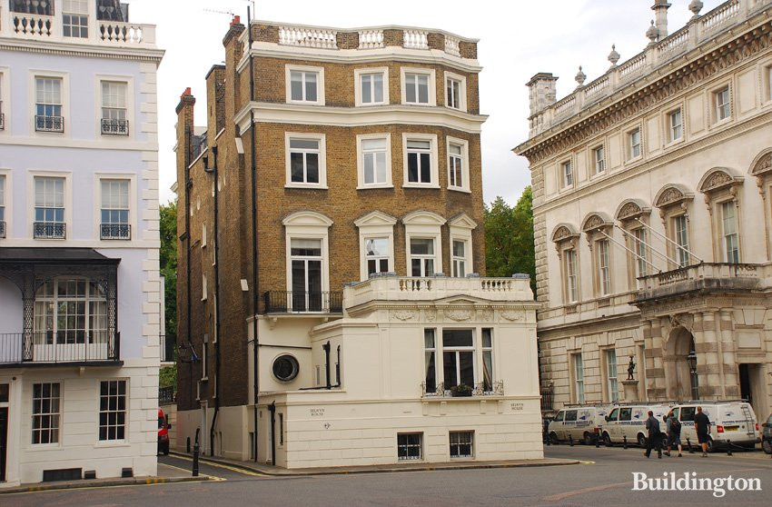 Front Elevation Of Houses In London : Selwyn house cleveland row sw a dh buildington